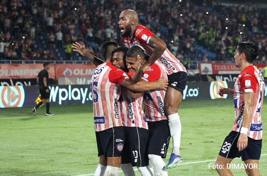 Con un golazo de Mario Sebastián Viera,  'El Tiburón' ganó 2-1 a Jaguares.